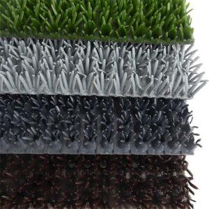 Bodenmatte mit Kratzbürsten für hohe Sauberlaufwirkung und extreme Wasseraufnahme
