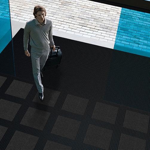 Master Flex Gummiplatte D12 im Eingangsbereich