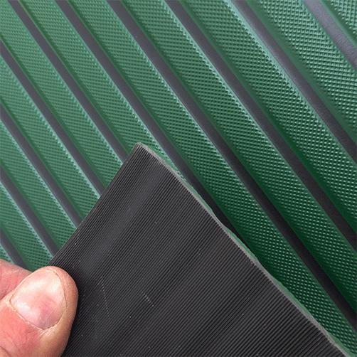 Bodenläuder Gummi / PVC geriffelte Rückseite