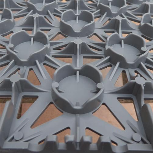 Bodenfiesen Stecksystem für den Einsatz in Innen- und Außenbereichen